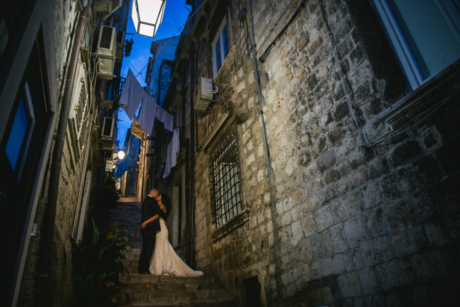 Wedding pictures in the streets of Dubrovnik