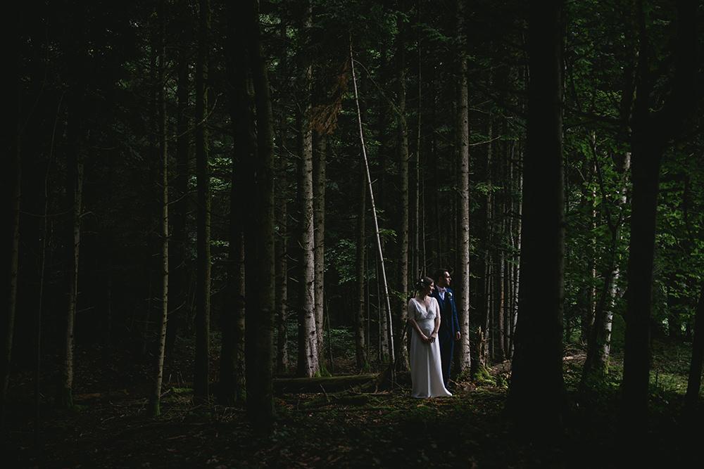 couple clair obscur mariage chateau martinanches / zéphyr et luna