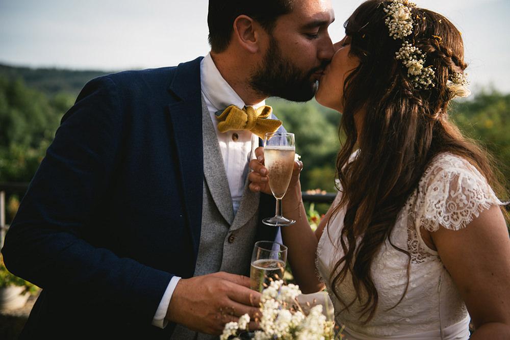 wedding couple chateau de la bourlie / zéphyr et luna