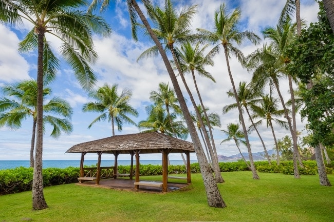 where to elope in hawaii - lanikuhonua venue