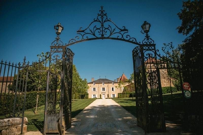 elopement venue in france - chateau redon