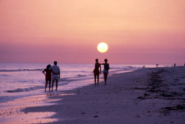 how to elope in florida on th beach