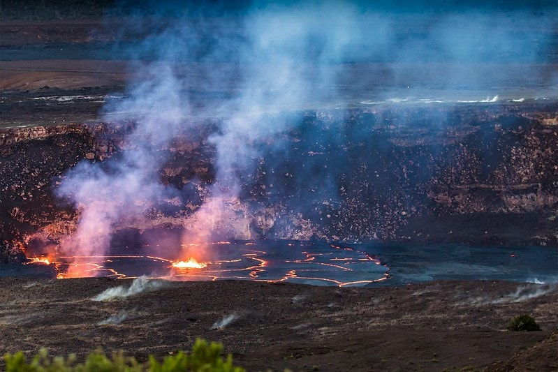 where to elope in hawaii - hawaii volcanoes national park