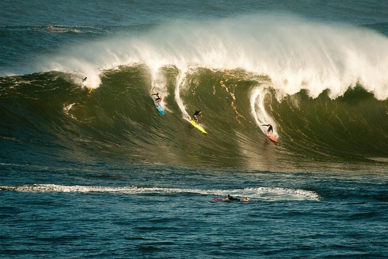 comment élopement à Hawaï avec de grandes vagues pendant l'hiver