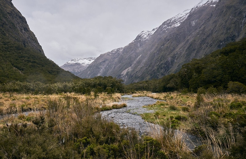 where to plan a mountain elopement - nea zealand