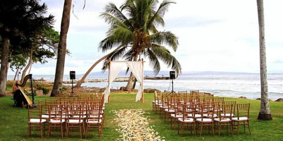where to elope in hawaii - olowalu plantation