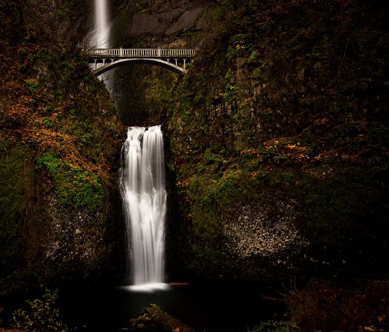 best places to elope in the us - multnomah falls