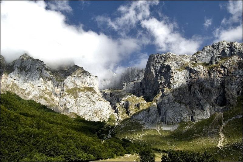 elope in europe guide - picos de europa