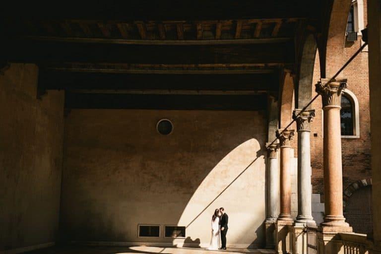 Kristina et Tyler – un élopement au château de Challain suivi d'une aventure de 10 jours en France et en Italie