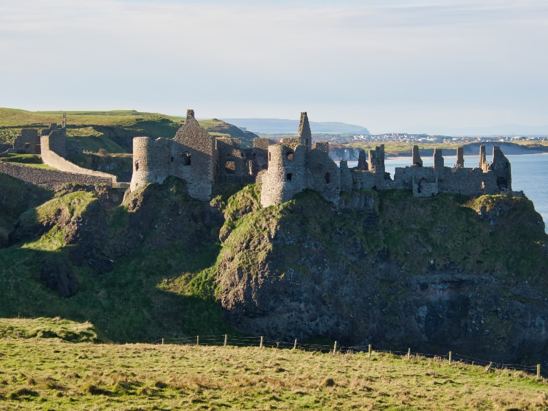 eloping in ireland, the best places - dunluce castle
