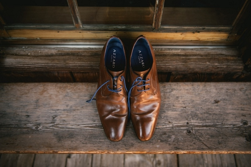 what to wear when eloping to ireland - shoes