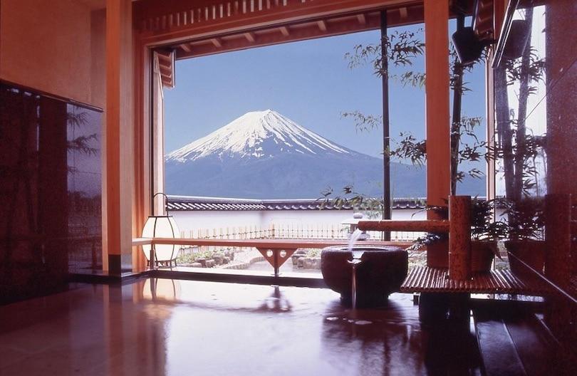 Fujikawaguchiko Onsen for an elopement in Japan
