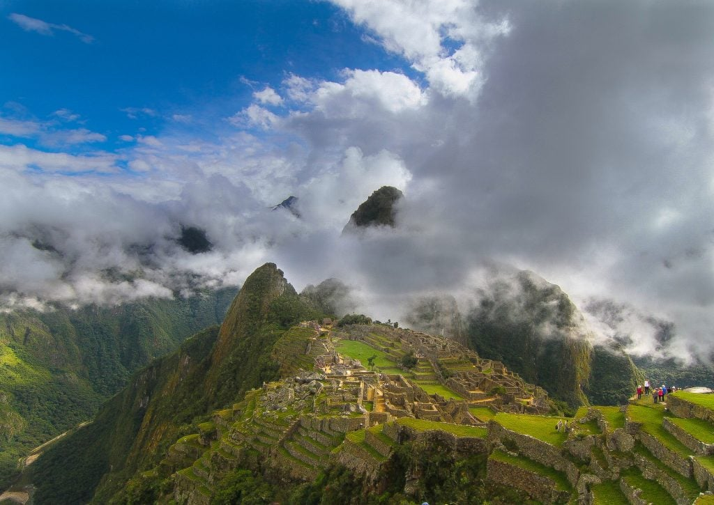 Macchu Picchu adventure elopement in Peru