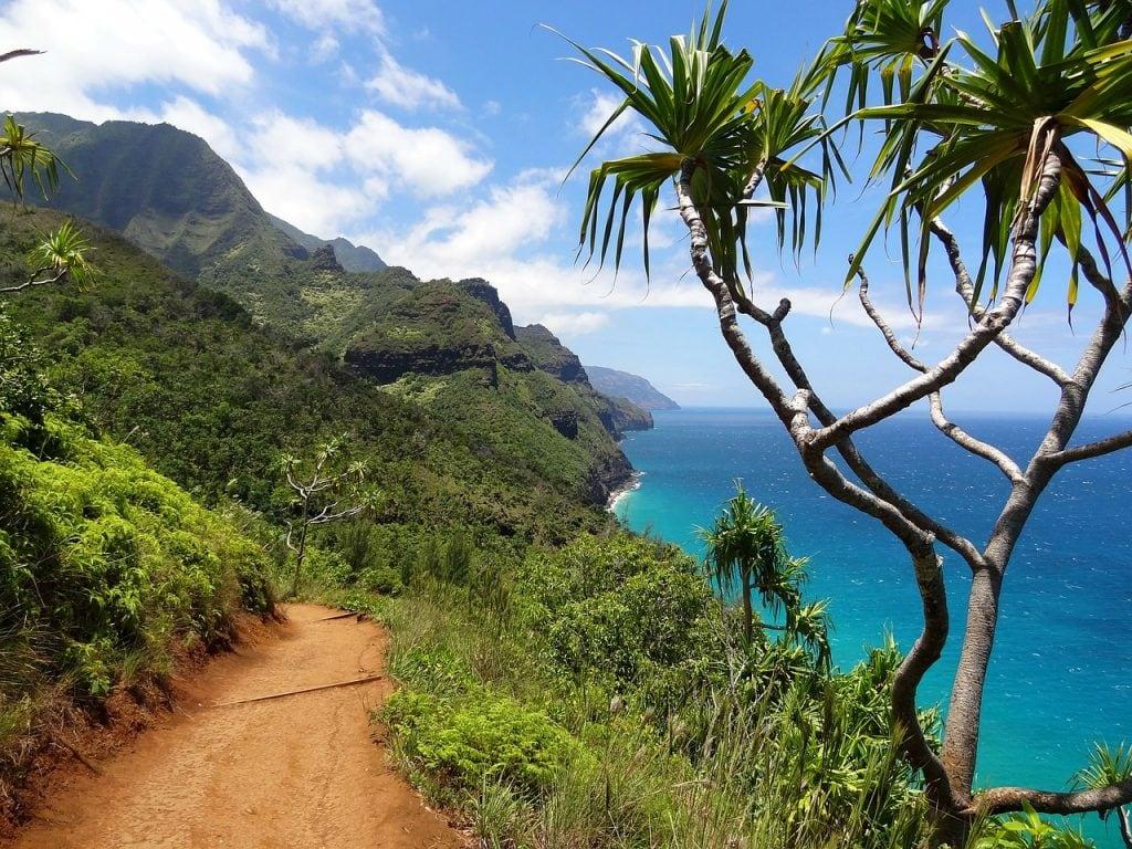 Na Pali Coast adventure elopement idea