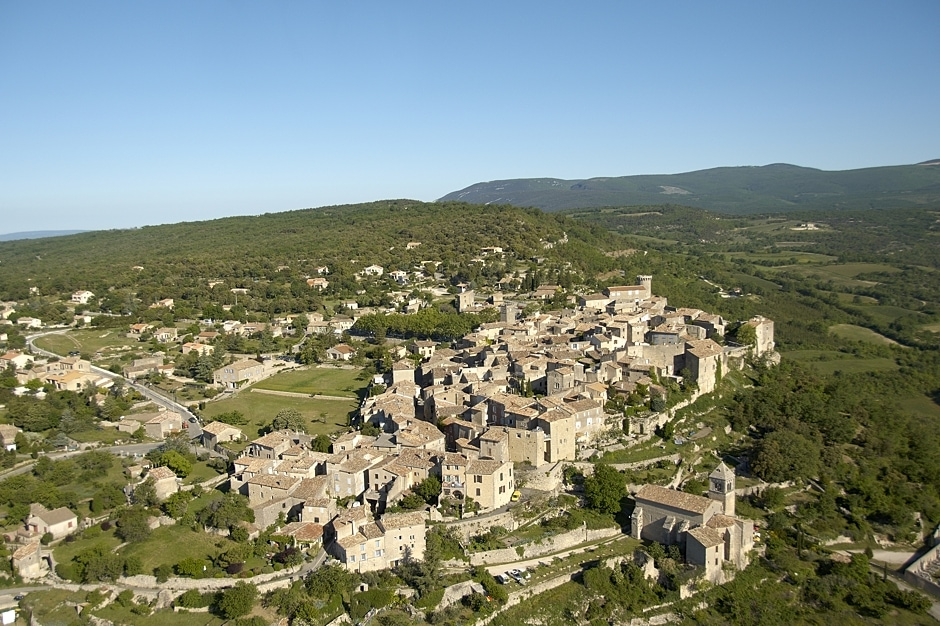 Viens, one of the most beautiful villages in Provence