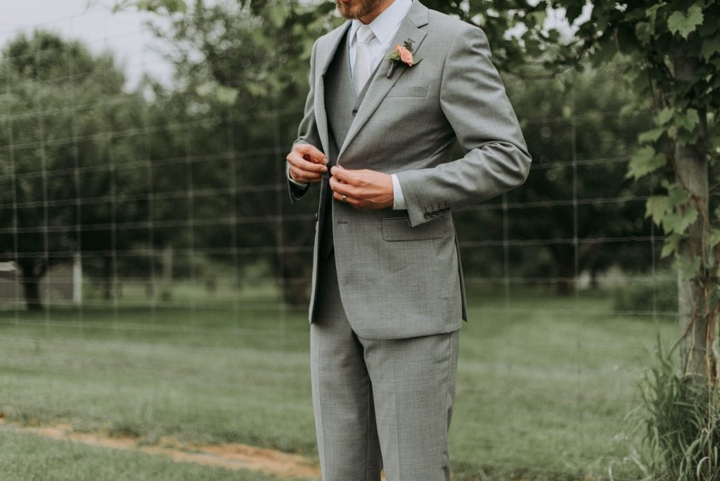 How to dress for an elopement in Greece - the suit
