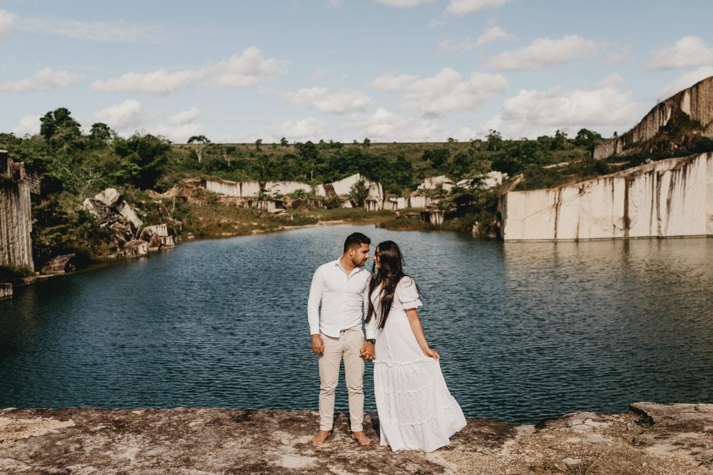 What to wear for a Santorini elopement - the dress
