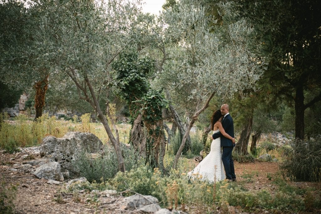 What to wear for an elopement in Cyprus - the suit