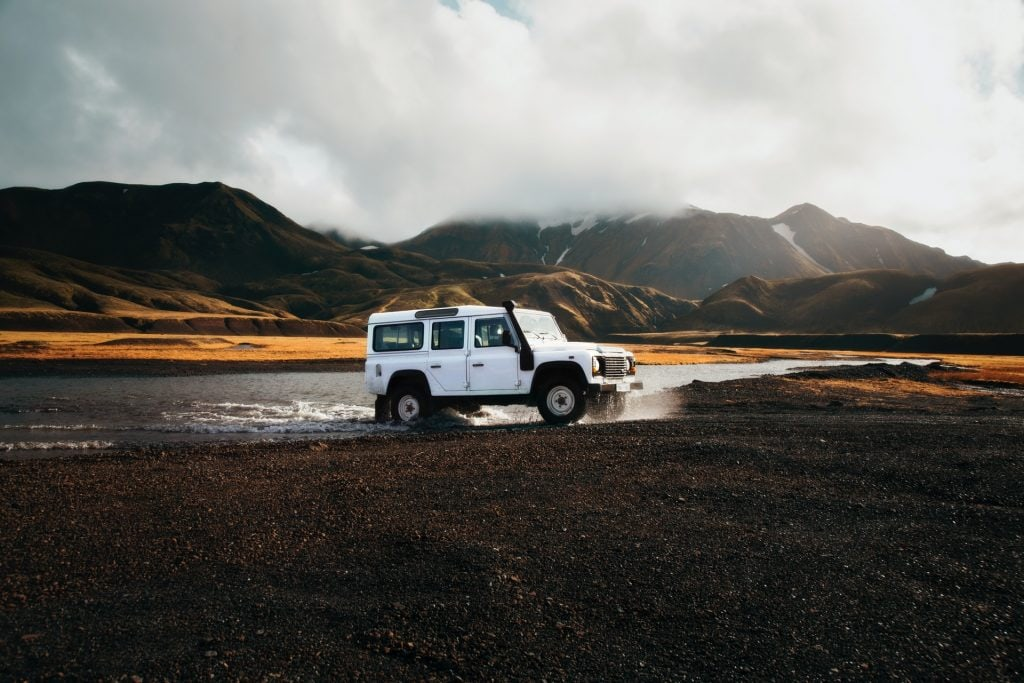 Iceland jeep elopement styled shoot