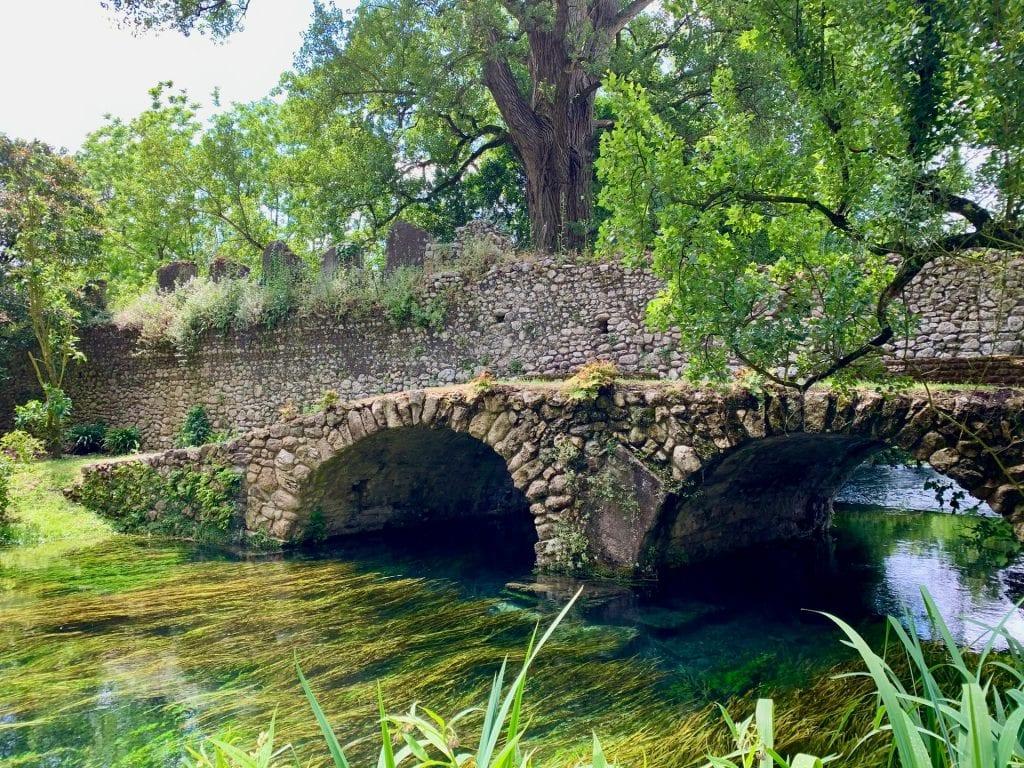 best places when eloping in Italy - Giardino di Ninfa