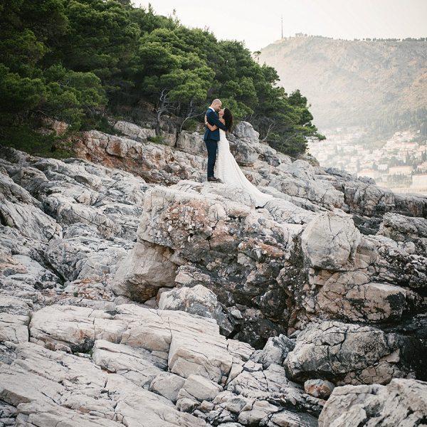 Adventure elopement photographer slideshow - beach elopement