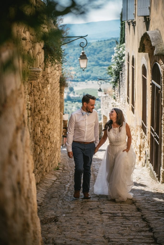 A post-wedding session in Provence - gordes romance