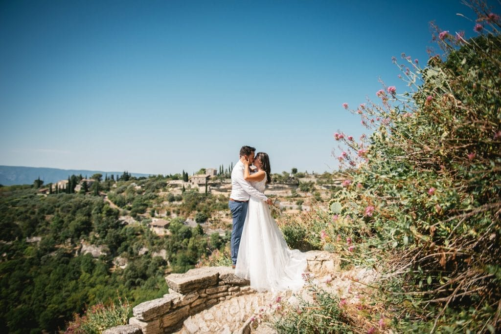 A post-wedding session in Provence - gordes overlook