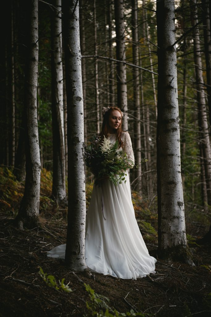 How to plan a Lord of the Rings wedding or elopement - choose a Lord of the Rings wedding dress